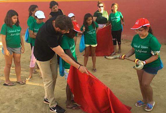 Alfonso Cadaval hace afición entre los más pequeños en Partido de Resina