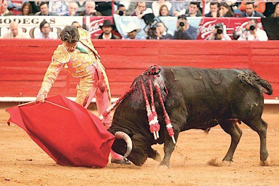 En la Opinión de Pepe Mata… ¿No sería mejor que José Tomás y acompañantes toreen un festival?