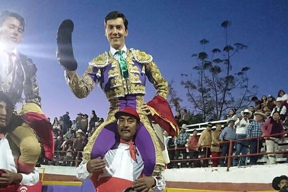 En Zinapécuaro… en hombros Arcila, Mendoza y De Ávila