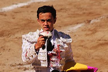 En Querétaro… José María Macías cortó una oreja