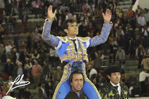 En Guadalajara… Triunfa Joselito Adame al cortar cuatro orejas