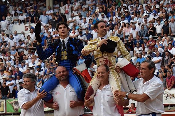En Mont-de-Marsan… A hombros Ponce y Castella con unos Nuñez del Cuvillo descastados