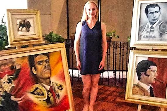 Nadia Turanok, una pintora bielorrusa quien se enamoró en México del arte del toreo