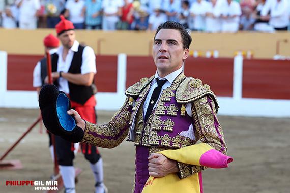 En Céret… Octavio Chacón corta una oreja a un toro de vuelta al ruedo