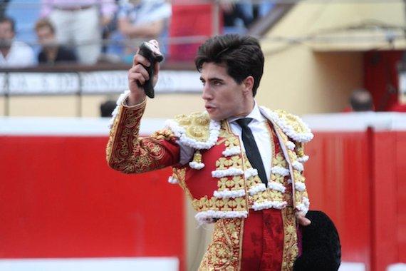 En Bilbao… Álvaro Lorenzo si concretó y cortó oreja; interesantes y variados Victorinos
