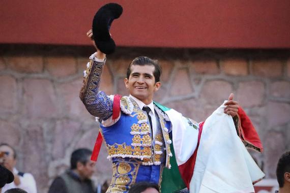 En Zacatecas… Joselito Adame en hombros