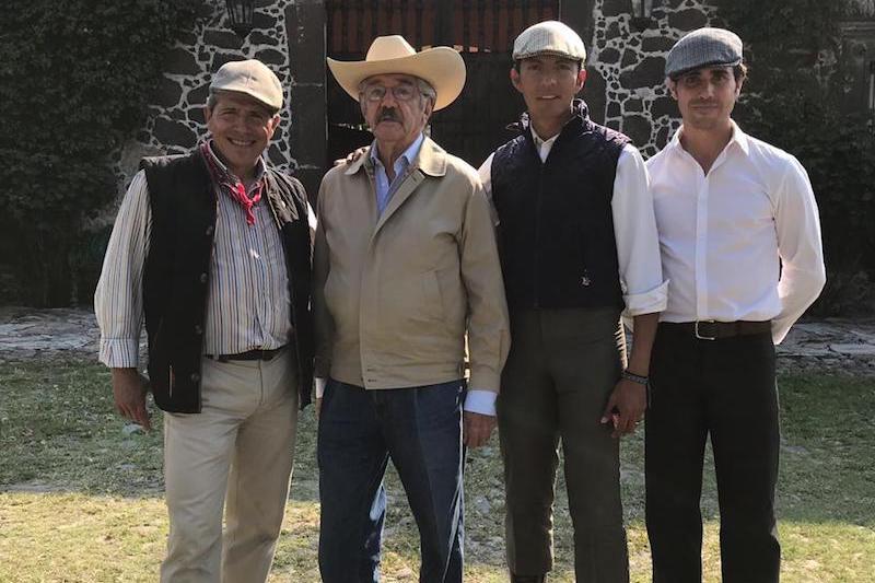 Israel Téllez estuvo en la ganadería de Huichapan