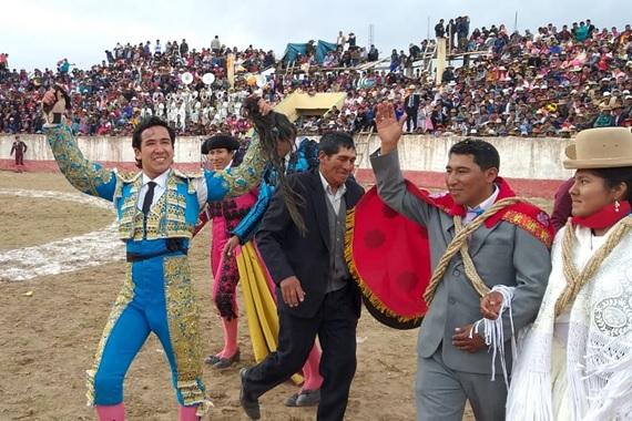 El torero Bogotano Moreno Muñoz, sigue cosechando triunfos en el exterior