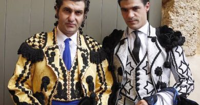 Lo comenta Antonio Lorca… El toro ha muerto en la Goyesca de Ronda: ¡Viva la fiesta de los toreros!