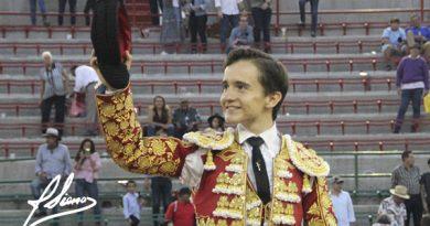 En Guadalajara… José Sainz resulta triunfador al cortar dos orejas y salir en volandas