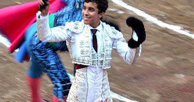 En Aguascalientes… En una fiesta decolorada, Leo Valadez pinta esperanzas