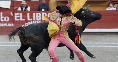 Desde la barrera de Antonio De Carlo… Sed y hambre por ser torero, ¿y si Garza Gaona fuera el bueno?