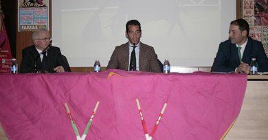Pepe Moral en la VI charla de la Peña Gijona