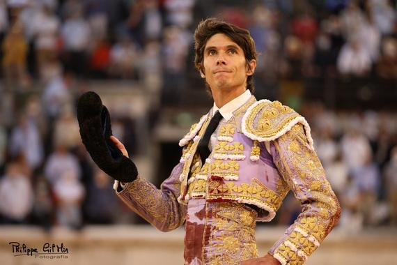 En Nîmes… Castella corta la única oreja de una decepcionante corrida de Jandilla