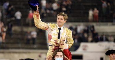 En Nîmes… Juan Leal logra el doble trofeo