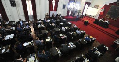 Concejo de Lima retrocede en su posición inicial sobre Acho