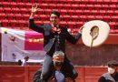 """En Zacatecas… Toros parados con utensilios """"revolucionarios"""" por la mañana"""
