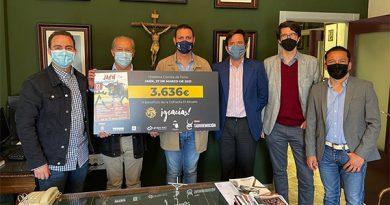 Tauroemoción entrega a la Cofradía El Abuelo de Jaén 3.636€ de la corrida benéfica de marzo
