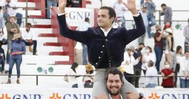 En León… En hombros Juan Pablo Sánchez