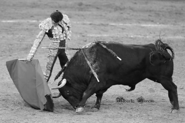 Juan Ortega derechazo toro de Garcigrande