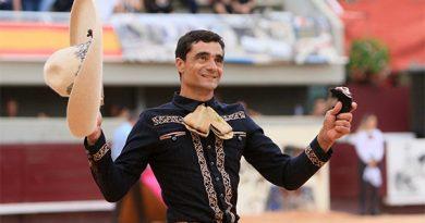 En Istres… Paco Ureña triunfa cortando tres apéndices