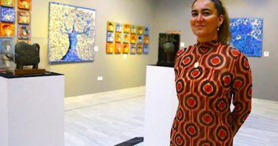 Isabel Garfias inauguró en el Ateneo de Sevilla exposición de pintura y escultura