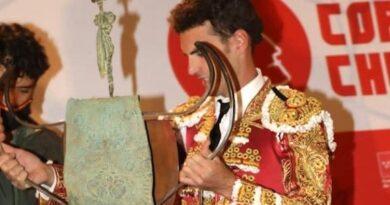 <strong>En Cadalso de los Vidrios… En medio de un muy extraño festejo triunfa Fernando Adrián</strong>